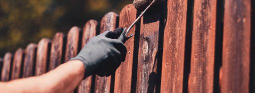 Co warto wiedzieć podczas wyboru lakieru do drewna na zewnątrz?